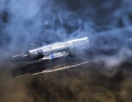 57b51abf7c02 La cigarette électronique s'est imposée depuis plusieurs années. Il faut  savoir qu'il existe des modèles jetables et rechargeables.