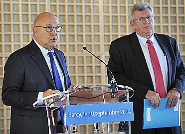 Michel Sapin et Christian Eckert lors de la conférence de presse du 10 septembre 2014