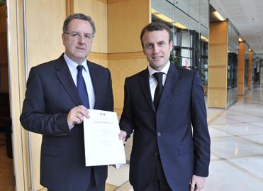 Richard Ferrand, Emmanuel Macron, le 3 octobre 2014, à Bercy ©MEF